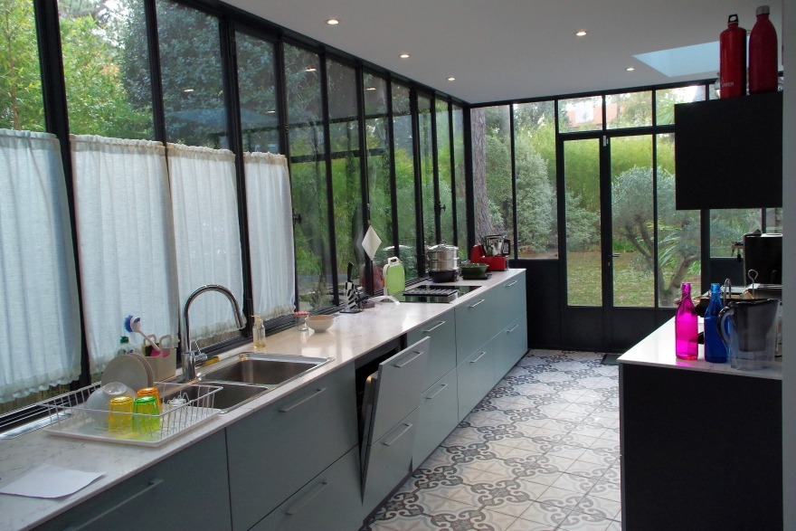 Une cuisine dans une véranda - Atelier de la Verriere