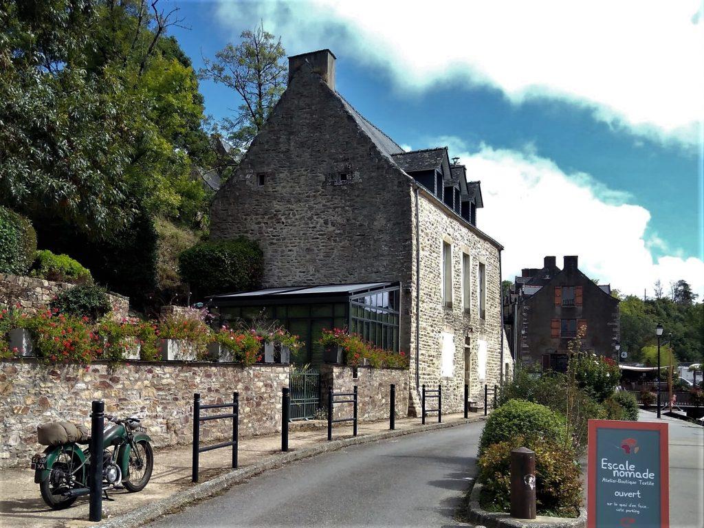 Véranda maison en pierre